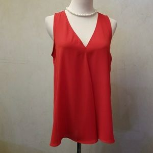 Vince Camuto red top size Small